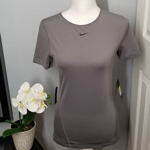 Women Gray Nike Pro Training Top Slim Fit Size S